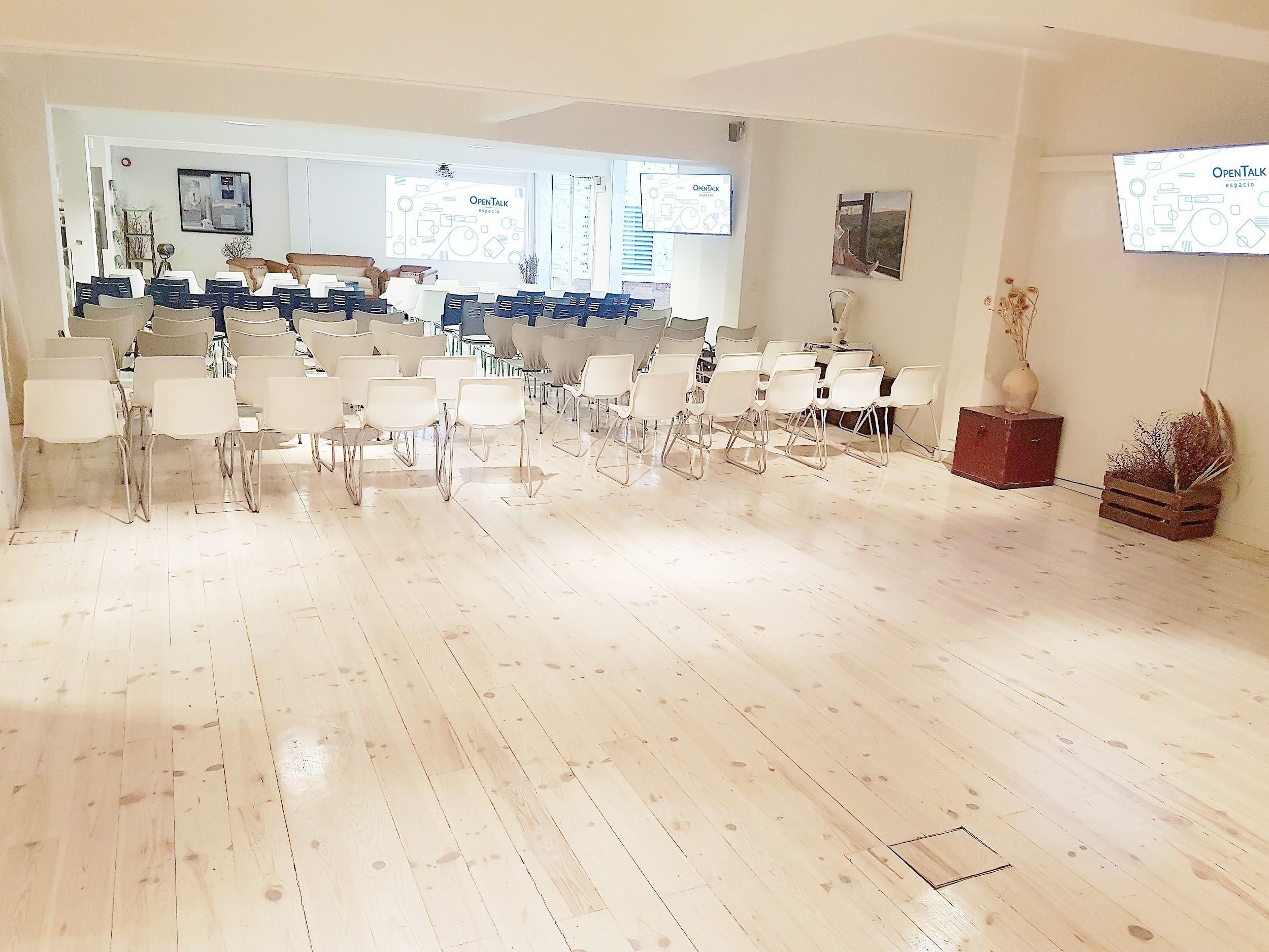 Sala OT con sillas
